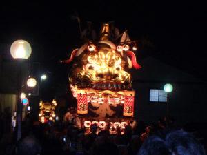 8番曳山 本町の金獅子